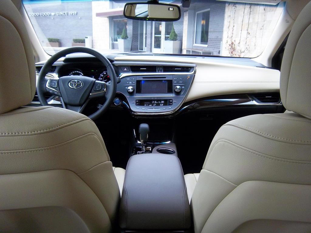 اسعار صور أفلون الجديدة Toyota 2013-Toyota-Avalon-Hybrid-Dashboard3.jpg