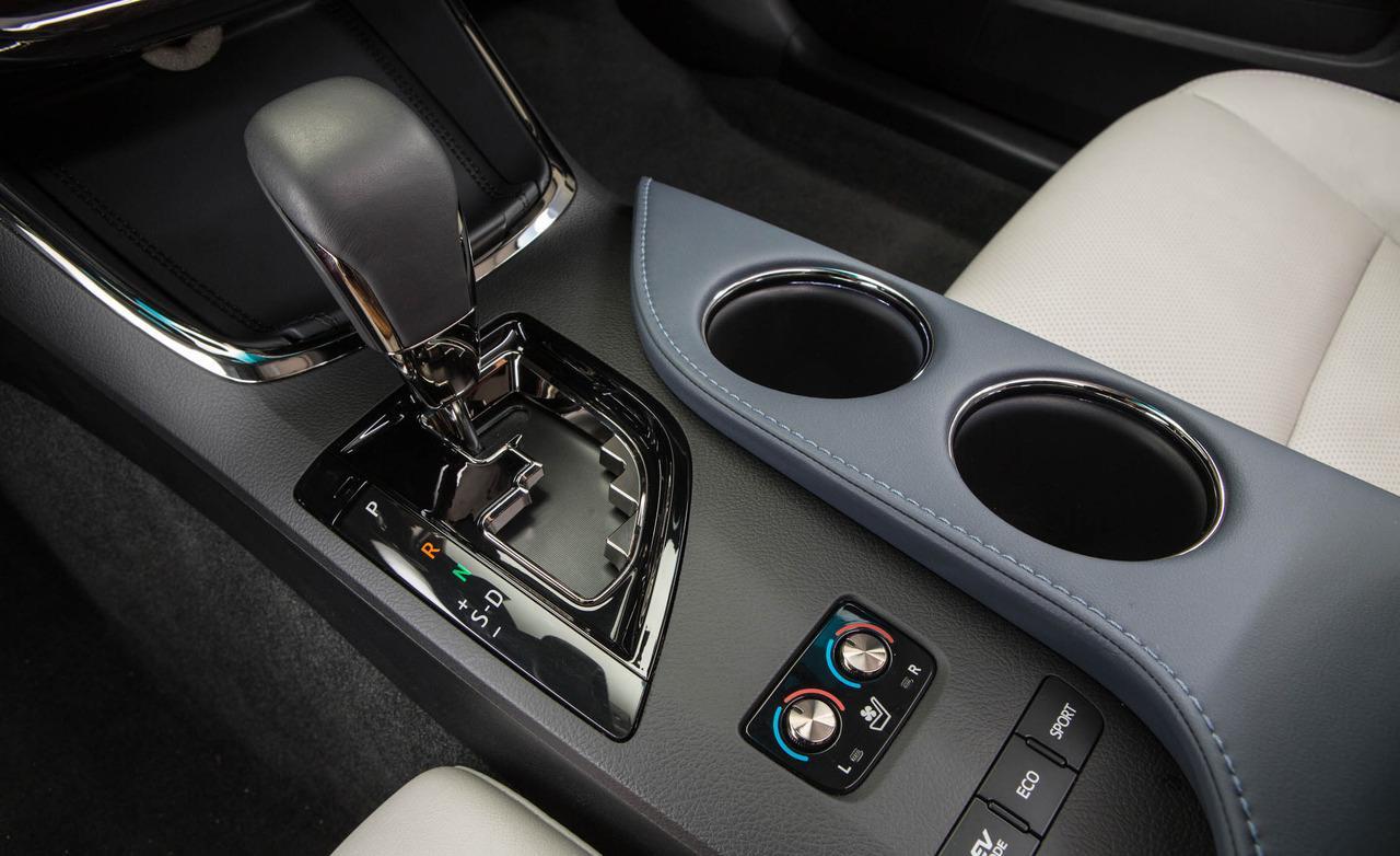 اسعار صور أفلون الجديدة Toyota 2013-toyota-avalon-hybrid-limited-center-console-photo-483036-s-1280x782.jpg