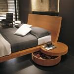 سرير خشبي