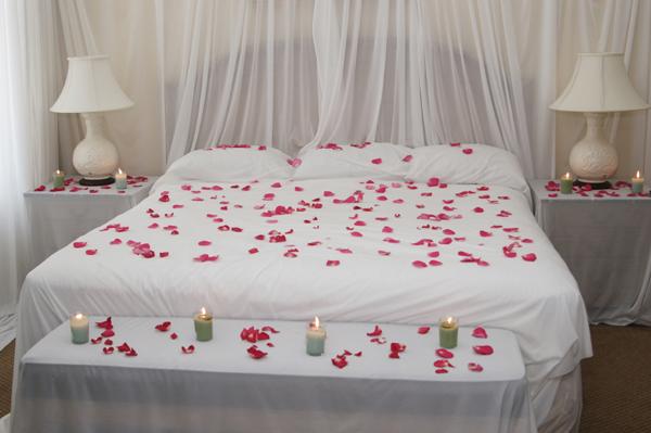 غرف نوم رومانسية للمتزوجين   المرسال