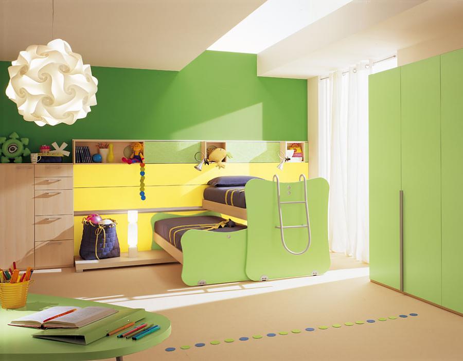 غرفة نوم شبابية اخضر و اصفر سريرين فوق بعض | المرسال