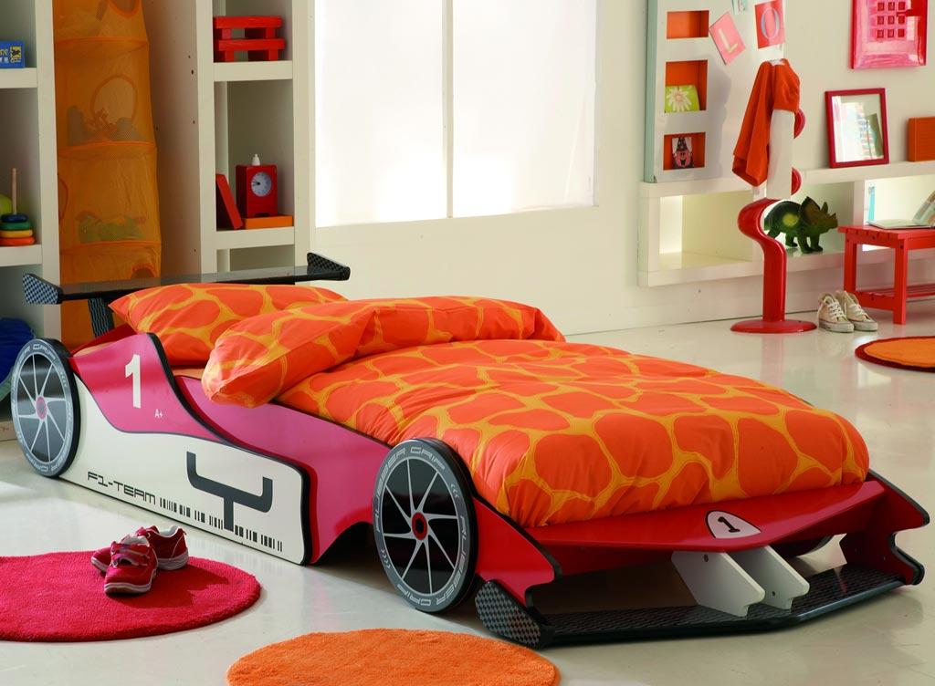 تصميم غرف نوم على شكل سيارات للأطفال