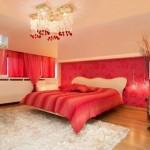 غرفة نوم حمراء