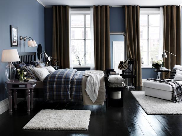 لون غامق جدار غرفة النوم مع باركيه خشبي بني غامق | المرسال