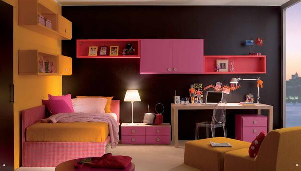 غرفة نوم للبنات باللون الاسود و الوردي و الاصفر