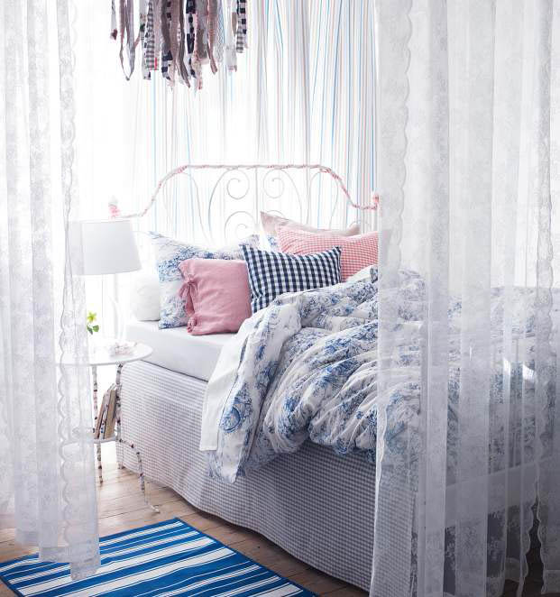 تصميم سرير محاط و مغلق بالستائر | المرسال