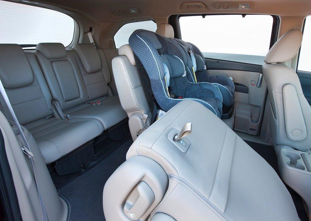 صور اسعار هوندا اوديسي Honda 2013-Honda-Odyssey-4.jpg