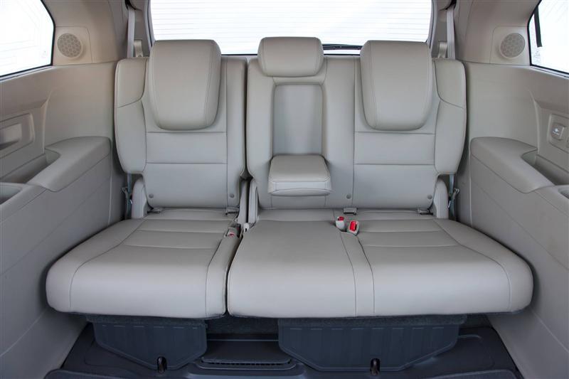 صور اسعار هوندا اوديسي Honda 2013-Honda-Odyssey-Minivan-Image-i02-800.jpg