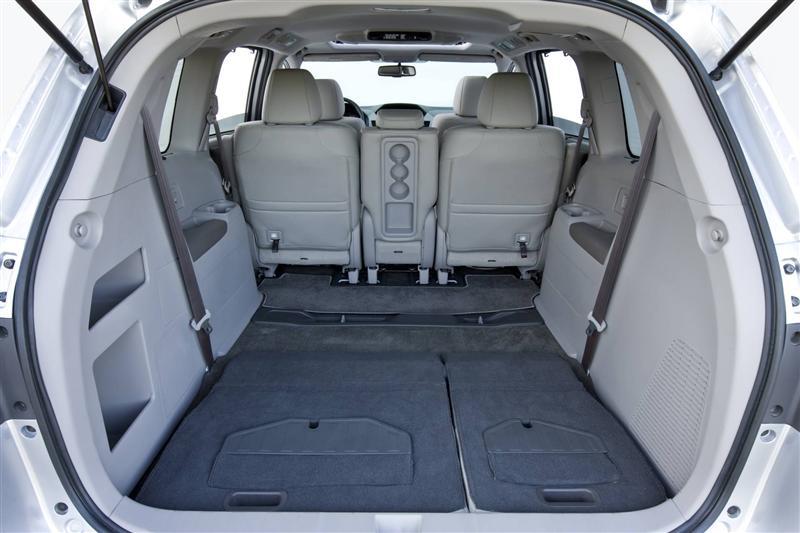 صور اسعار هوندا اوديسي Honda 2013-Honda-Odyssey-Minivan-Image-i05-800.jpg
