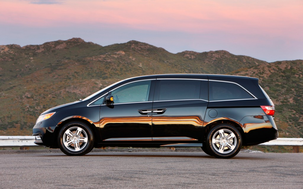 صور اسعار هوندا اوديسي Honda 2013-Honda-Odyssey.jpg