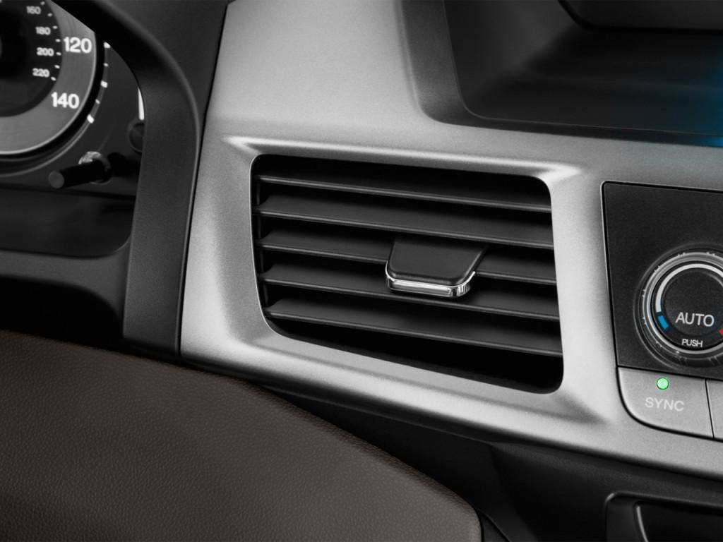 صور اسعار هوندا اوديسي Honda 2013-honda-odyssey-5dr-ex-air-vents_100405229_l.jpg