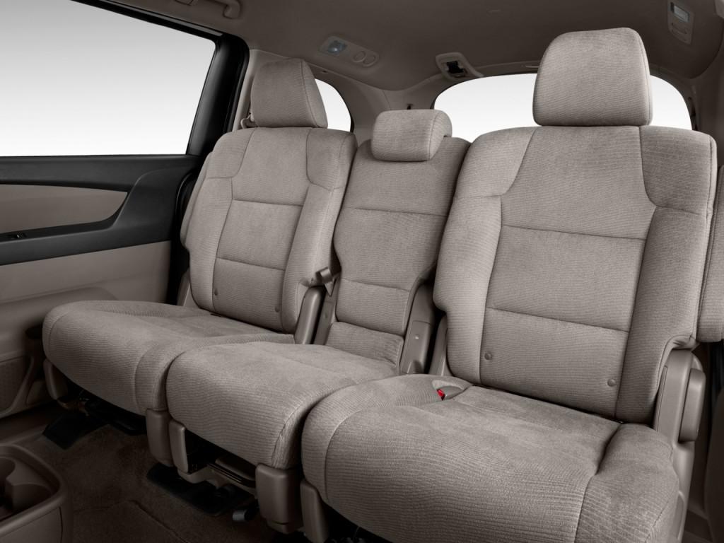 صور اسعار هوندا اوديسي Honda 2013-honda-odyssey-5dr-ex-rear-seats_100405240_l.jpg