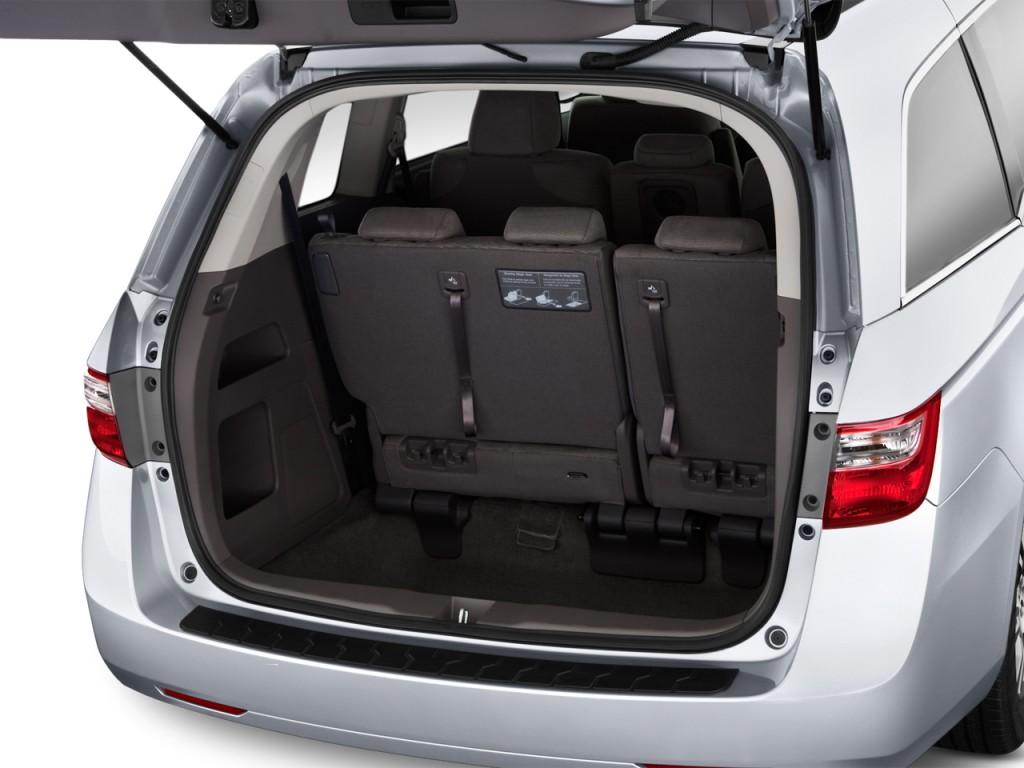 صور اسعار هوندا اوديسي Honda 2013-honda-odyssey-5dr-ex-trunk_100405234_l.jpg