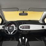 يارس تريند 2013 Toyota Yaris Trend  من الداخل