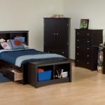 غرفة نوم شبابية سوداء اللون