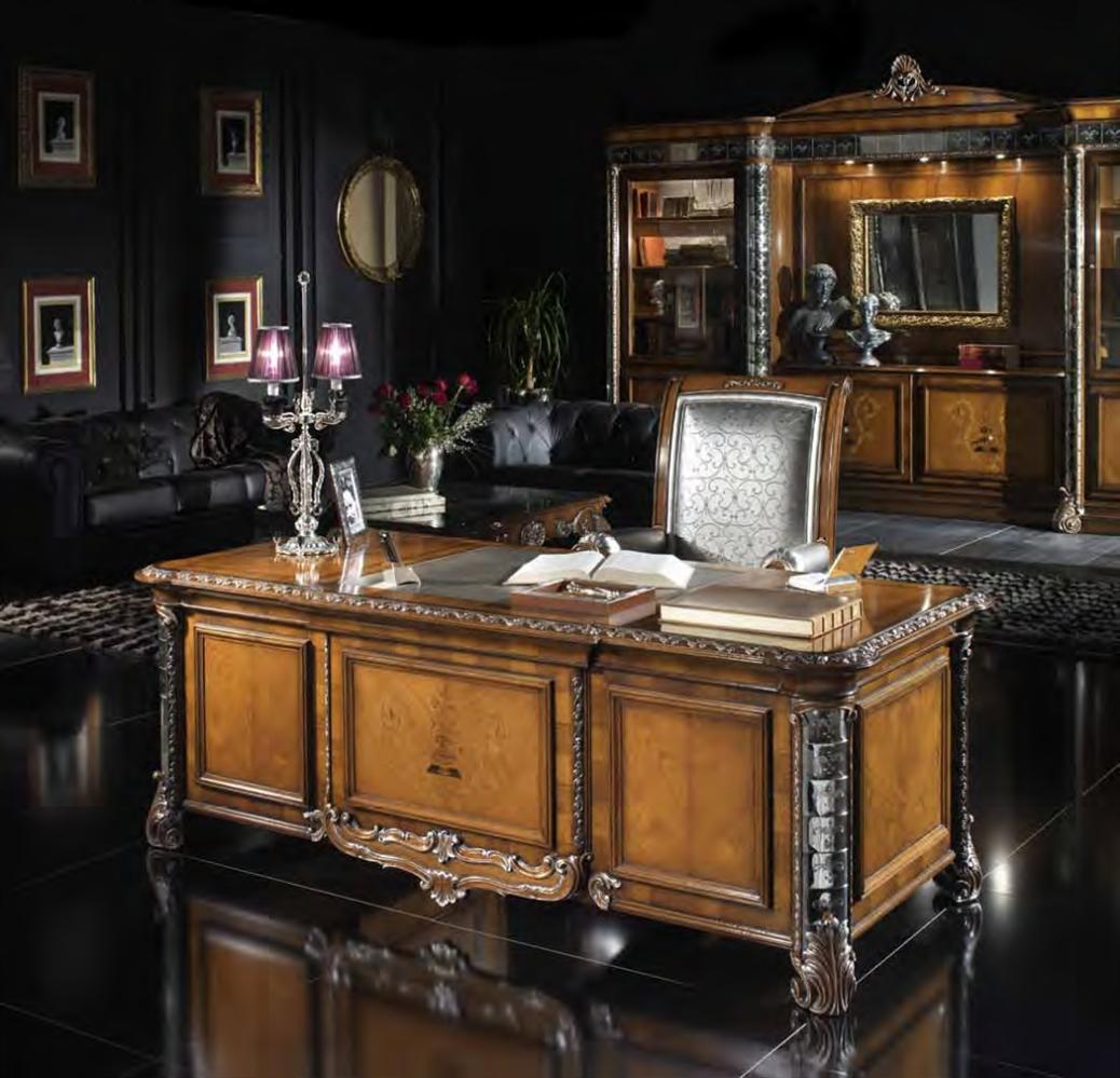 Upscale Home Office Furniture: غرفة مكتب كلاسيكية فخمة