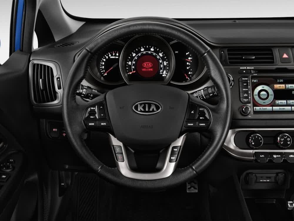 صور أسعار سيارة كيا ريو Steering-Wheel-2013-Kia-Rio.jpg
