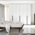 تصاميم بيضاء اللون لغرف النوم