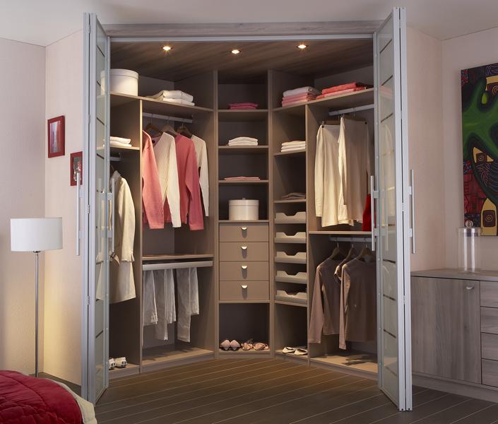 تصميم غرفة ملابس مميزة و جميله و رفوف بأفكار حلوه | المرسال