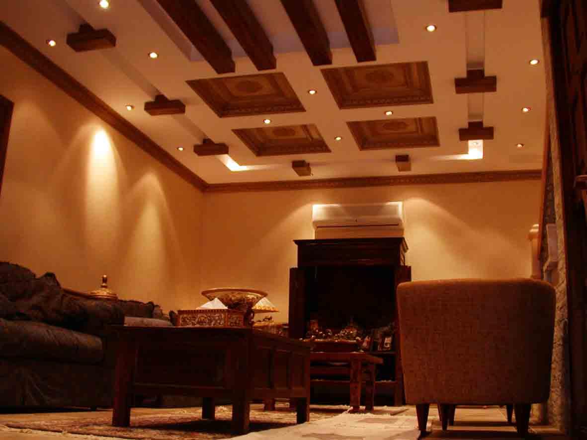 تصميم سقف جبس لون خشبي بني المرسال