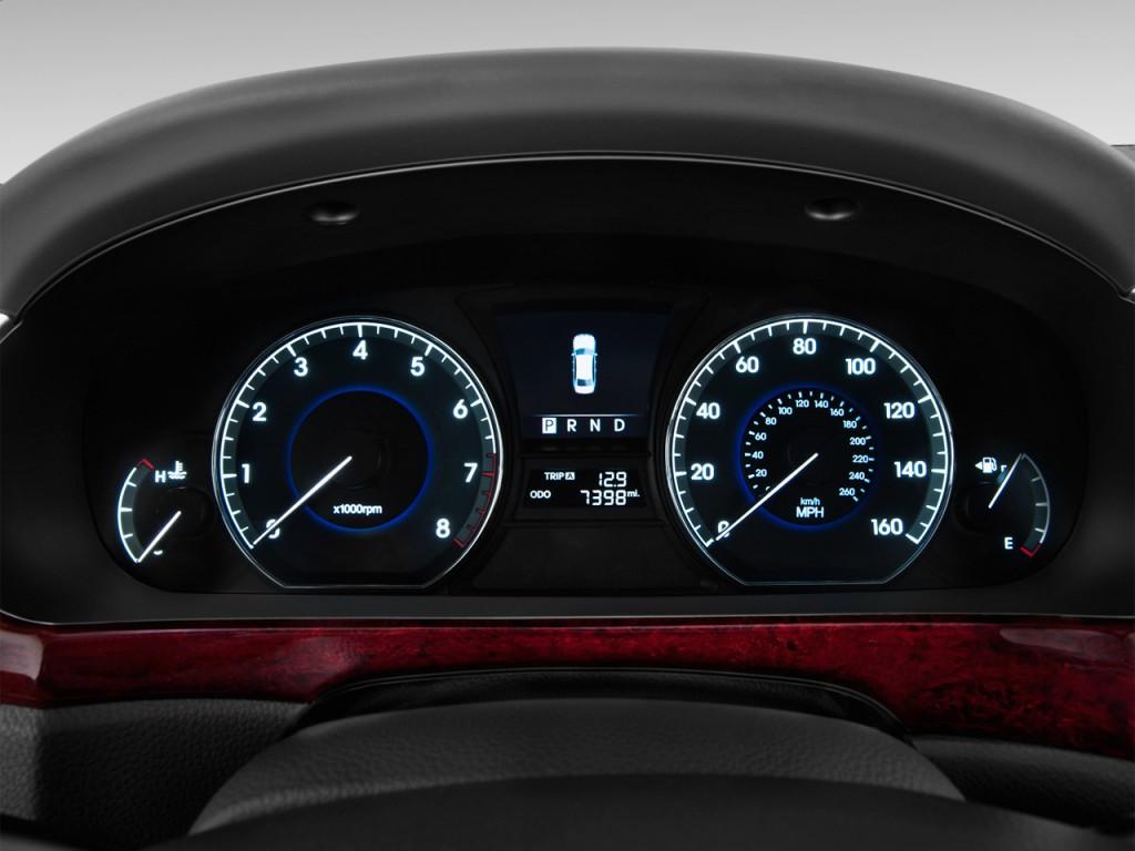 المواصفات والأسعار لسيارة هيونداي سنتنيال 2013-hyundai-equus-4-door-sedan-signature-instrument-cluster_100399132_l.jpg