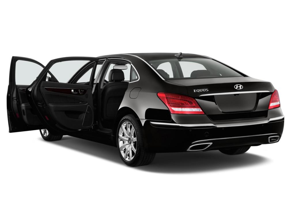 المواصفات والأسعار لسيارة هيونداي سنتنيال 2013-hyundai-equus-4-door-sedan-signature-open-doors_100399151_l.jpg