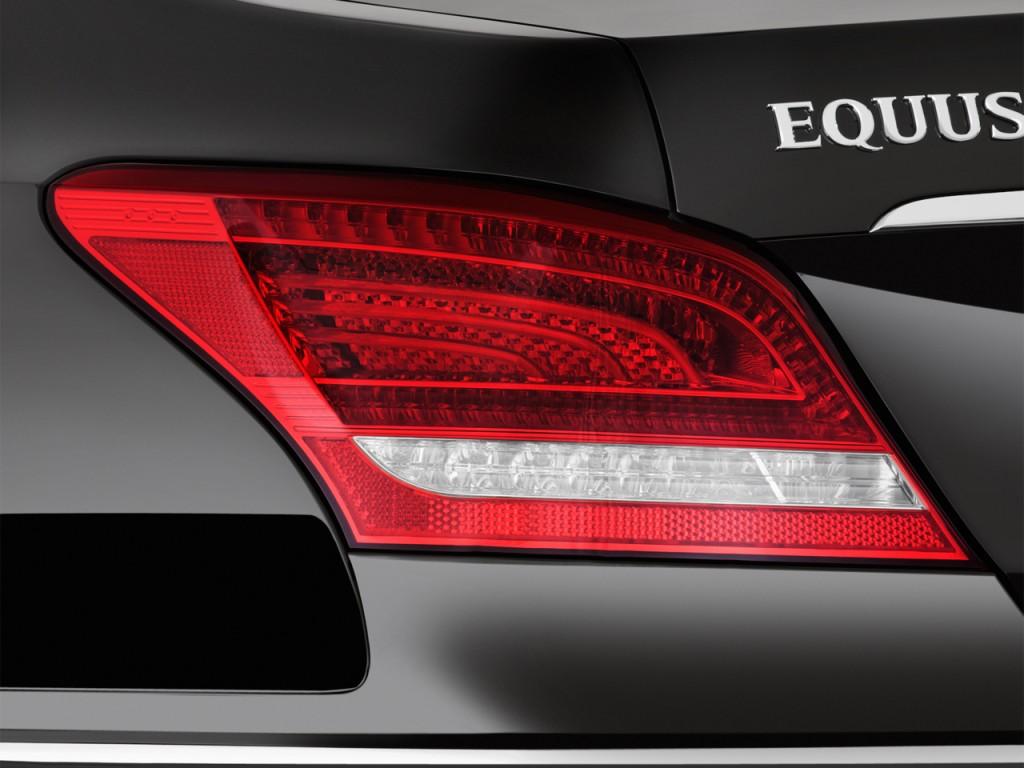المواصفات والأسعار لسيارة هيونداي سنتنيال 2013-hyundai-equus-4-door-sedan-signature-tail-light_100399139_l.jpg