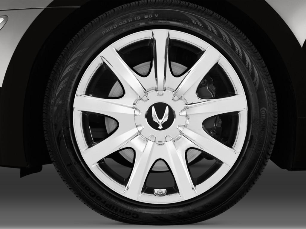 المواصفات والأسعار لسيارة هيونداي سنتنيال 2013-hyundai-equus-4-door-sedan-signature-wheel-cap_100399143_l.jpg