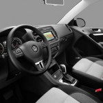 2013_VW_Tiguan_R-Line-interior - 9075