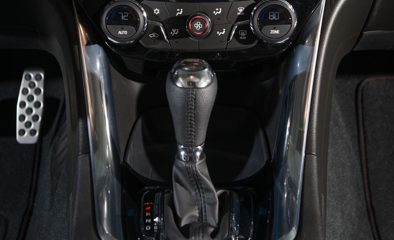 ������� ������ ٢٠١٤ ����� ������� 2014-chevrolet-ss-climate-controls-and-center-console-photo-501758-s-1280x782.jpg