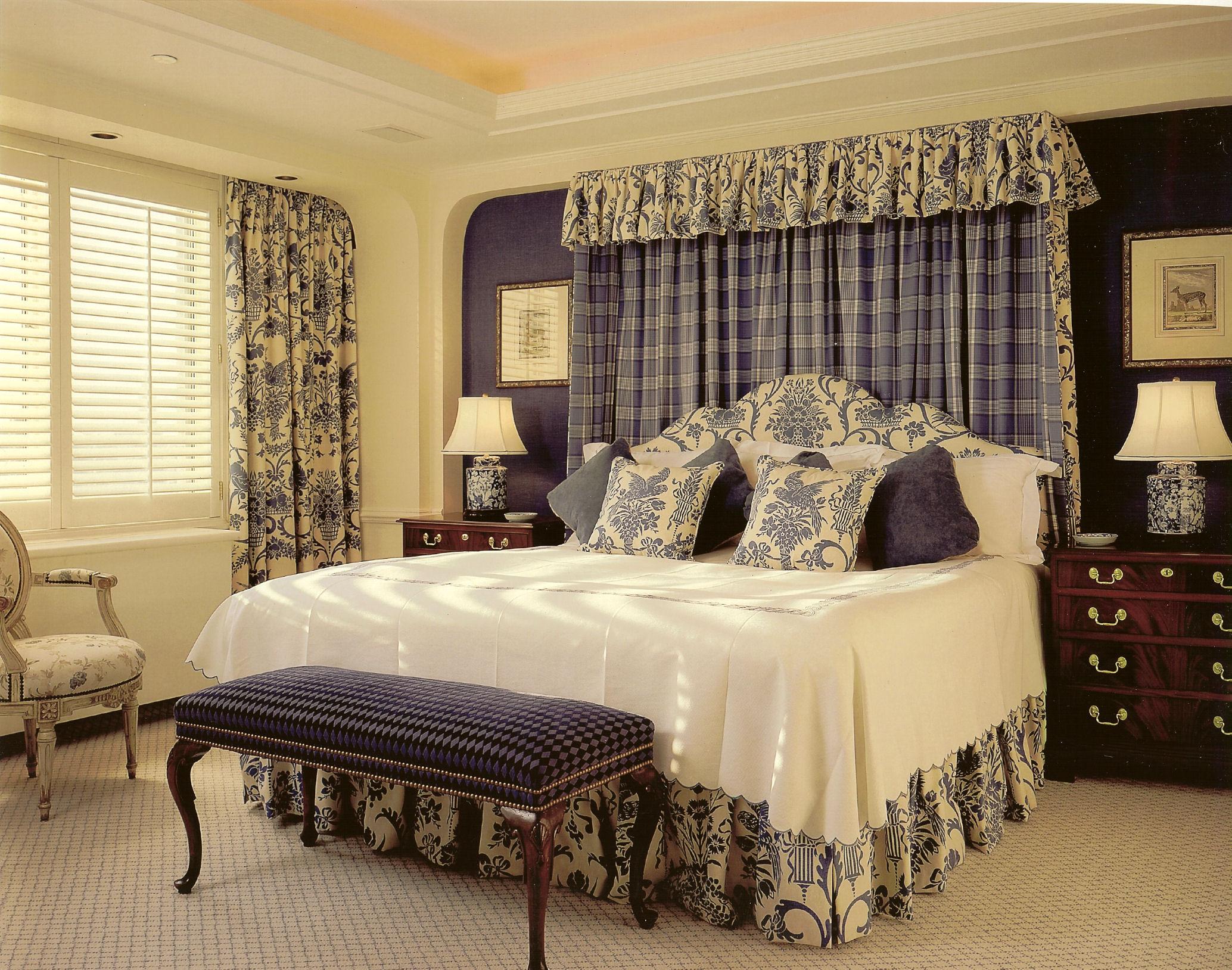 تلآمس الذوق الرفيع.. Elegant-bedroom-with