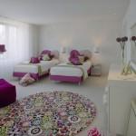 غرف بنات وردية و ابيض سريرين