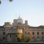 القصر الملكي بإنجلترا
