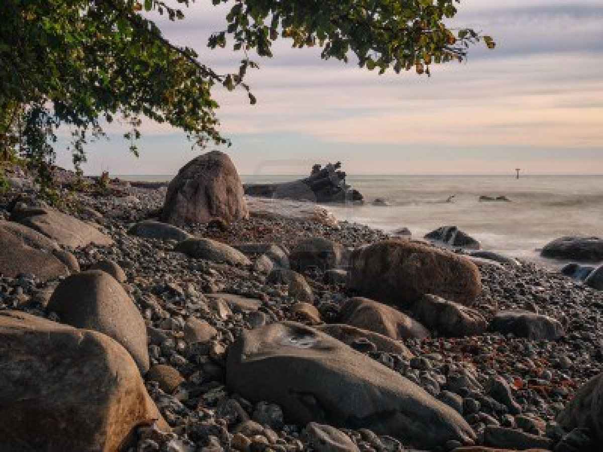 Tropical Island Beach Ambience Sound: جمال شاطئ بحر البلطيق