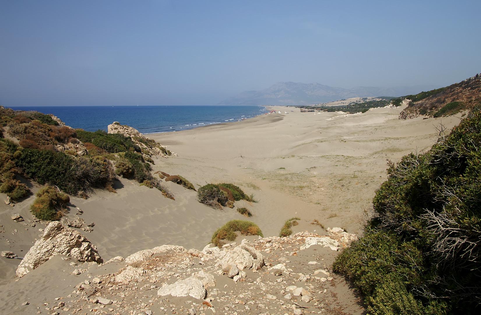 شاطئ باتارا فى تركيا