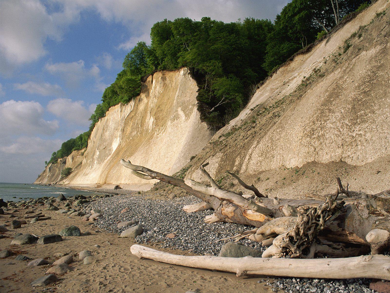 Tropical Island Beach Ambience Sound: على شاطئ بحر البلطيق