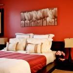 غرفة نوم الجدار الخلفي احمر