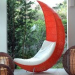 كرسي حديقة علي شكل هلال