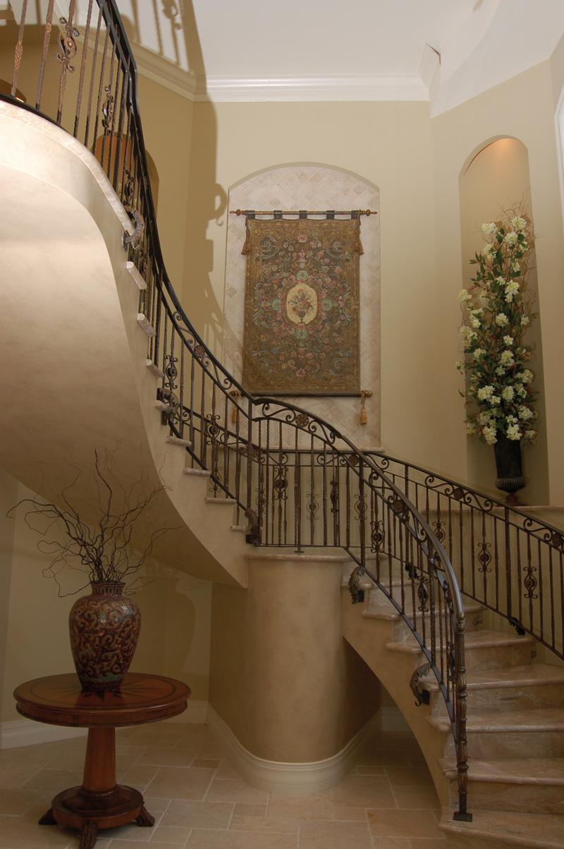 Grand Foyer En Español : سلم رخام المرسال