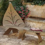 تصميم لكرسي حديقة علي شكل ورقة شجر