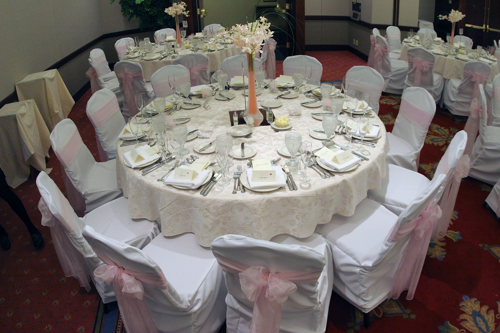 Kinds Of Table Setting : ديكور لترابيزة بقاعة افراح  المرسال
