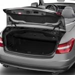 صورة الصندوق الخلفي للسيارة مرسيدس e200