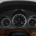 صورة عدادات السرعة من داخل السيارة مرسيدس e200