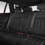 صورة المقاعد الخلفية للسيارة مرسيدس e 200