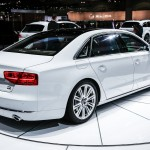 2014-Audi-A8-TDI-rear-right-side-view - 22640