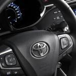 شكل عجلة القيادة الانسيابية للسيارة تويوتا افالون 2014