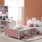 غرفة نوم الاطفال بدهان الحائط الهادئ
