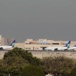 أرامكو السعودية طائرات متوقفة في محطة الطيران العام