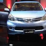 صورة السيارة تويوتا افانزا 2014