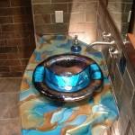 حوض حمام زجاجي ملون
